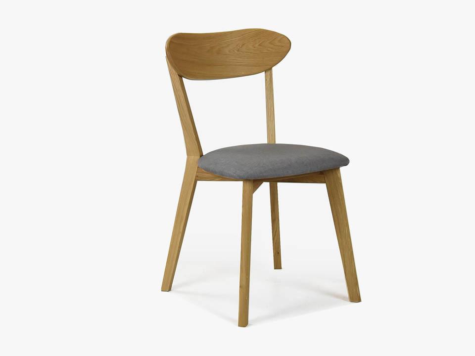 krzesło drewniane z tapicerowanym siedziskiem