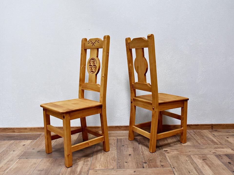 Krzesło z rzeźbionym oparciem Jagna 1