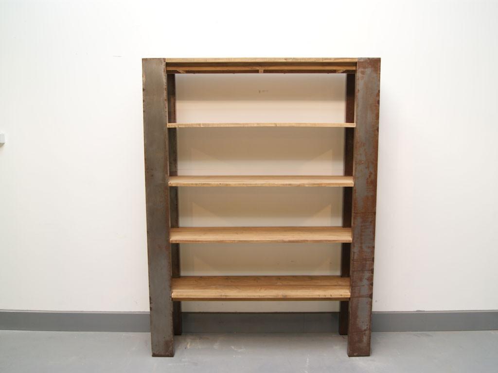 Regał z drewna z recyklingu Loft