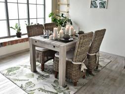 Rustykalny stół drewniany