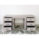 biurko drewniane wysunięte szuflady