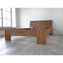 drewniane łózko do sypialni