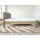 drewniane łóżko sosnowe bok