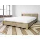 drewniane łóżko sosnowe z materacem