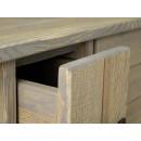 jasne drewniane meble