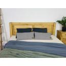 klasyczne ponadczasowe drewniane łóżko
