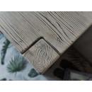 drewniana komoda w stylu rustykalnym