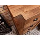 komoda z drewna do sypialni
