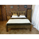 łóżko z drewna sosnowego