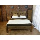 masywne łóżko