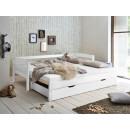 bukowe łóżko w bialym kolorze
