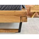 łózko drewniane detal