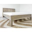 lozko drewniane z materacem