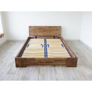 łóżko drewniane ze stelażem