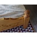 łóżko w stylu góralskim