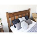 łóżko z drewna rustykalne