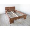 łózko z litego drewna