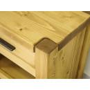 masywna szafka nocna z drewna