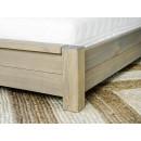 noga łóżka drewnianego