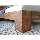 noga łózka drewnianego