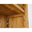 regał z drewna z regulowanymi półkami