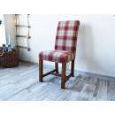 tapicerowane krzesło rustykalne