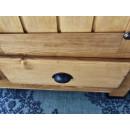 drewniana szafa dwudrzwiowa