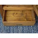 witryna drewniana z szufladą