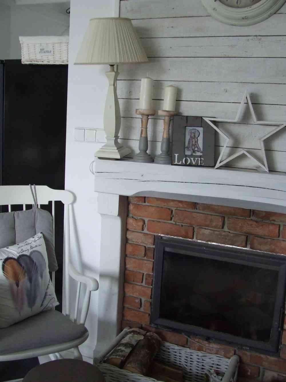 Mały biały domek - Anna Milner-Hoffa