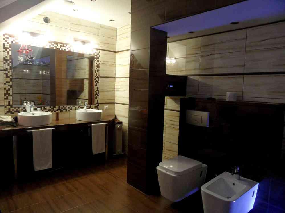 Pokój kąpielowy na poddaszu - Monika Zwonik