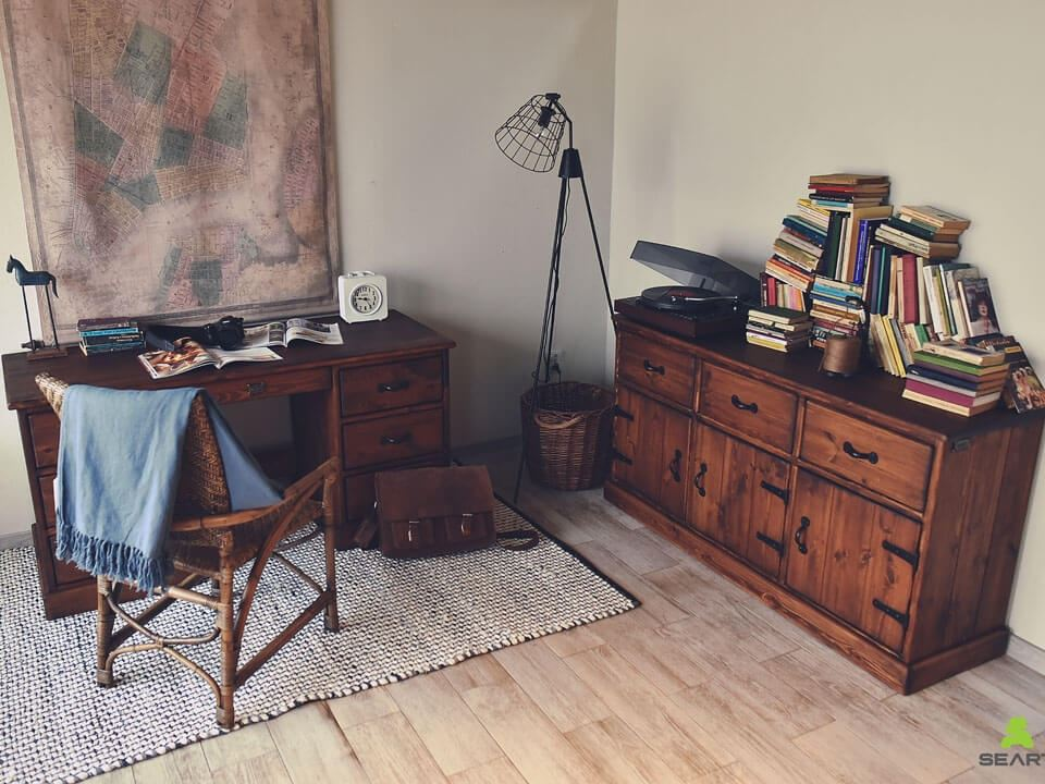 drewniane rustykalne postarzane meble do gabinetu