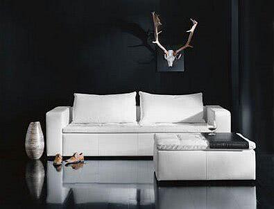 Białe meble z drewna