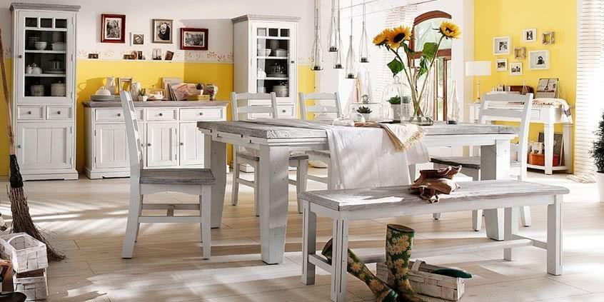 meble drewniane, białe meble z drewna