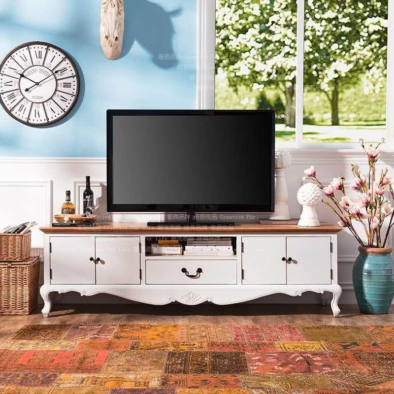 Komoda pod telewizor w stylu francuskim