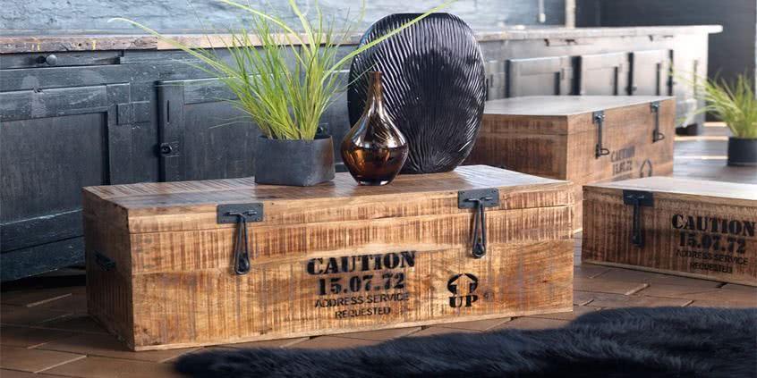 Oryginalne wnętrze w stylu góralskim, pasują do niego kufry drewniane!