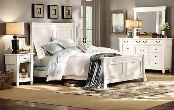 Subtelna I Romantyczna Sypialnia Z Białymi łóżkami W Stylu