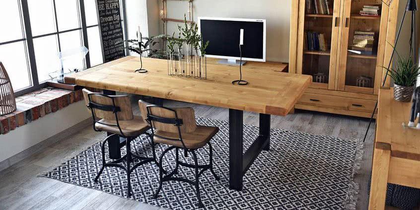 Stół z drewna